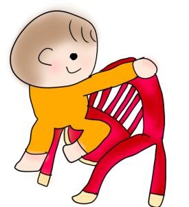 椅子に乗ってる赤ちゃん
